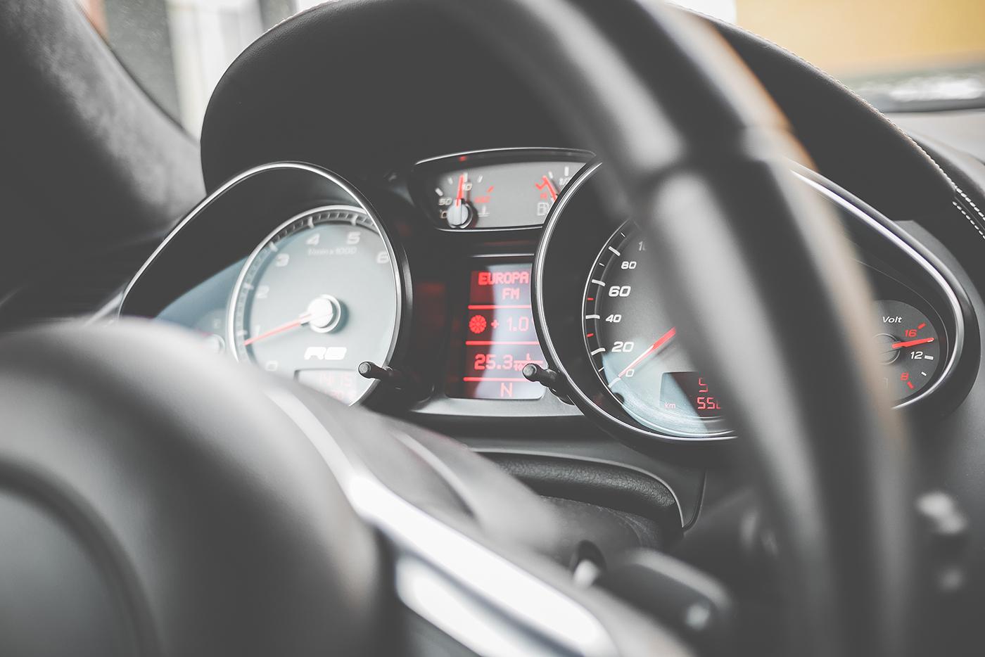 http://autobedrijfsmits.nl/wp-content/uploads/2016/12/sport-car-black-dashboard-picjumbo-com.jpg